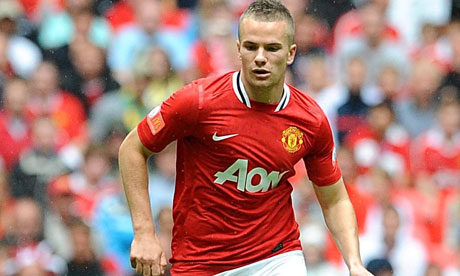 Man Utd midfielder Tom Cleverley during a game