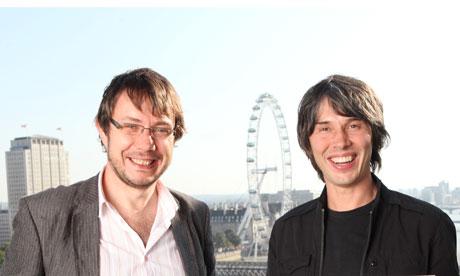 Jeff Forshaw, a la izquierda, y Brian Cox en London. Fotografía: Katherine Rose para The Observer