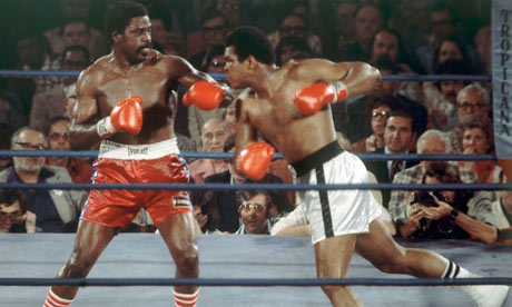 Ron Lyle, left, in his 1975 world heavyweight title fight with Muhammad Ali