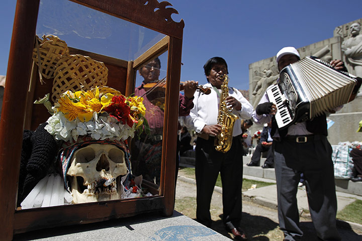 Bolivia Day of the Skulls: musicians