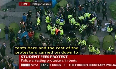 Police clear protesters from Trafalgar Square on 9 November 2011