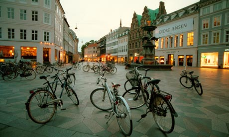 Bicycles-at-dusk-Copenhag-007.jpg