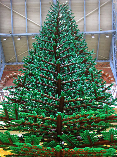 digibron/Flickr - Lego Christmas tree