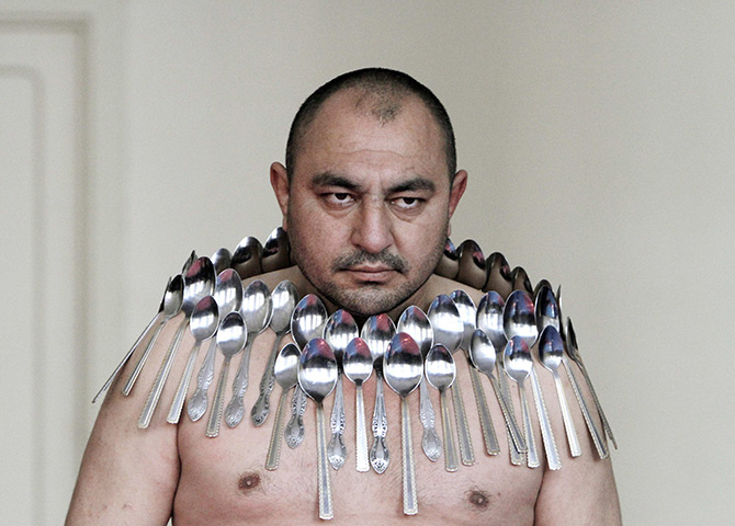 24 hours in pictures: Georgian spoon record breaker Etibar Elchiyev