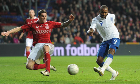 http://static.guim.co.uk/sys-images/Guardian/Pix/pictures/2011/2/10/1297355370865/England-striker-Darren-Be-007.jpg