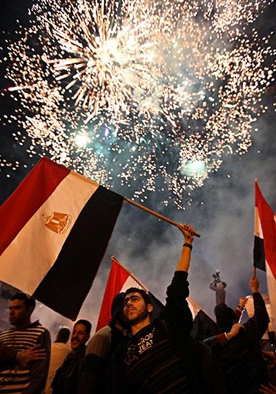 An-Egyptian-man-carries-h-009.jpg