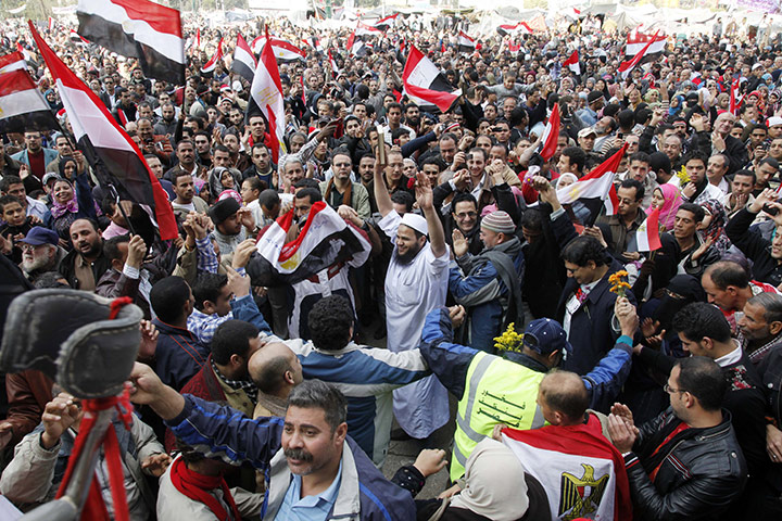 http://static.guim.co.uk/sys-images/Guardian/Pix/pictures/2011/2/12/1297522474952/Egyptian-celebrate-with-j-001.jpg