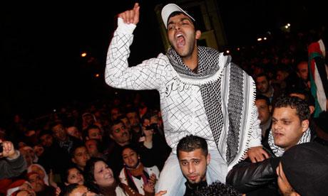 Young Jordanians celebrate Mubarak resignation Young Jordanians celebrate in
