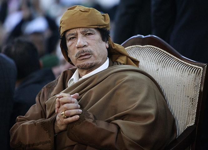 أستحلفكم بالله أن تدخلوا و تدعوا بالرحمة لزعيم العالم , أكبر تجميع صور للبطل . February-13-2011-Libyan-l-012
