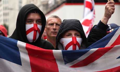 Up to 7,000 due in Luton for English Defence League rally, as anti-racist and Muslim groups prepare counter-demonstrations