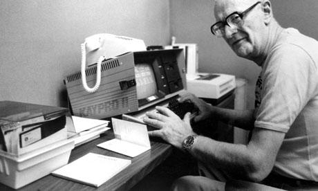 Cuando la ficción moldea la realidad Arthur C. Clarke