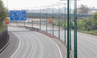 M1 motorway remains closed after a fire