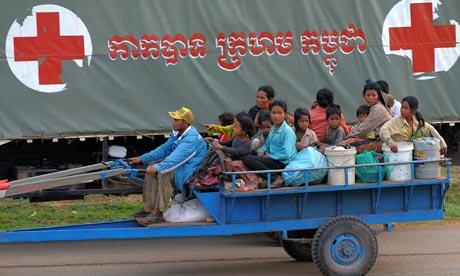 cambodian villagers evacuate