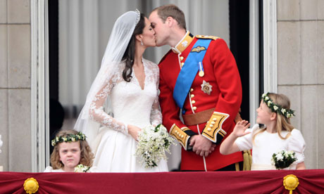Royal Wedding: Prince William and Kate, Duchess of Cambridge kiss on the balcony