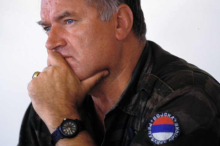 PHOTO GALLERY - Ratko Mladic: into the hands of the former Bosnian-Serbian army chief! September-1995-General-Ra-066