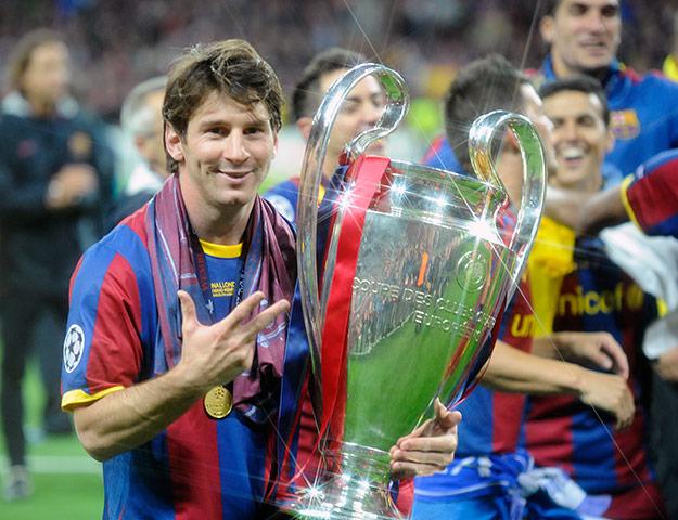 Cristiano lleva 2 años mas que Messi en el fútbol