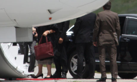 Bilderberg 2011: Handbags at Dawn Queen Beatrixs legs 007