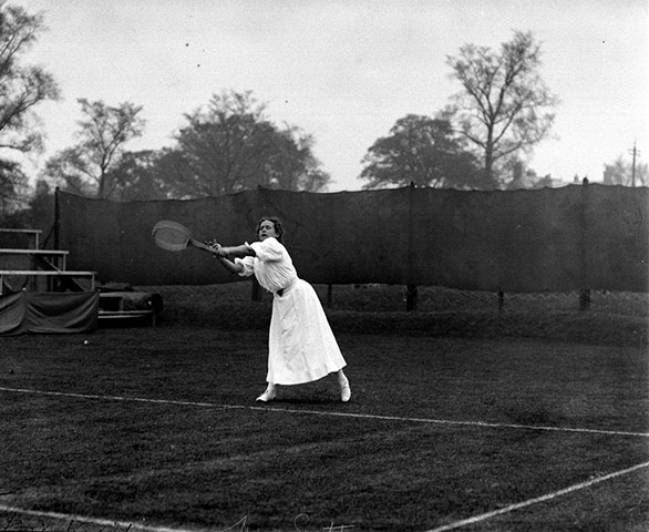 Tennis Fashion: May Sutton Bundy won the Women's Tennis Single's championship