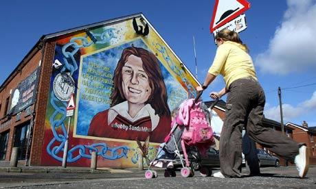 The ira hunger strike and fleet street 39 s graveyard of for Bobby sands mural falls road