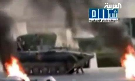 Syrian tanks storm Hama