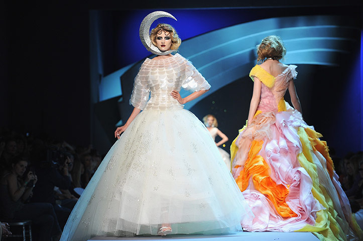 Paris Haute Couture: Christian Dior Haute Couture 2011/2012 collection Paris