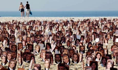 Baha'i: Copacabana beach protest