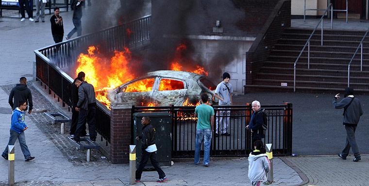 Manchester--Bham-riots-005.jpg