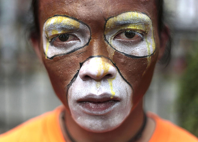Face Painting Zoo Animals http://teakdoor.com/famous-threads/86577-world-news-in-pictures-282.html