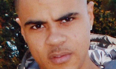 Mark Duggan died of a single gunshot wound to the chest, an inquest has heard
