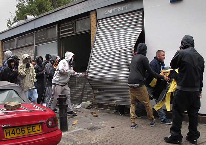 Youths loot a Carhartt store in Hackney