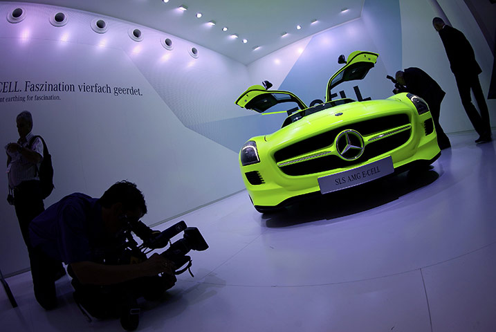 The-Mercedes-Benz-SLS-AMG-001.jpg