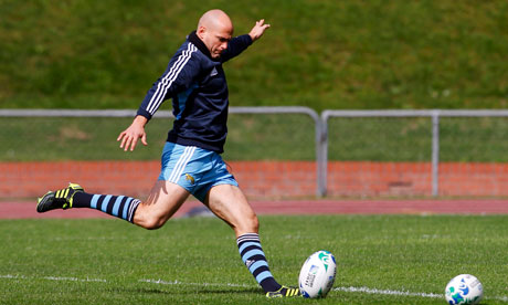 Argentina captain Felipe Contepomi practices his kicking during a training session in Wellington