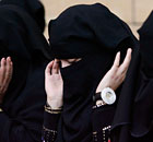 Saudi women praying in Riyadh