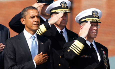 Barack Obama and Mike Mullen at Fort Myer, Virginia