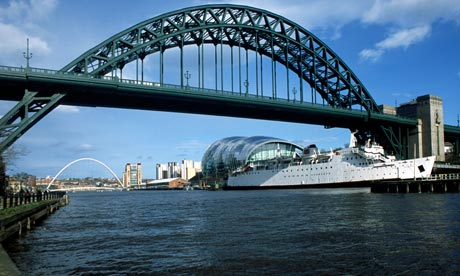 Newcastle upon tyne with tyne bridge