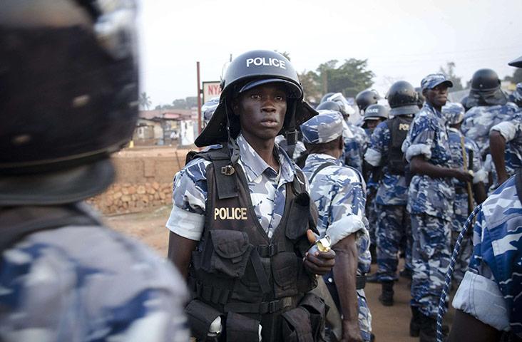 В Уганде полицейские протестуют против инфляции