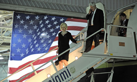 Newt Gingrich and Callista Gingrich arrive in Florida