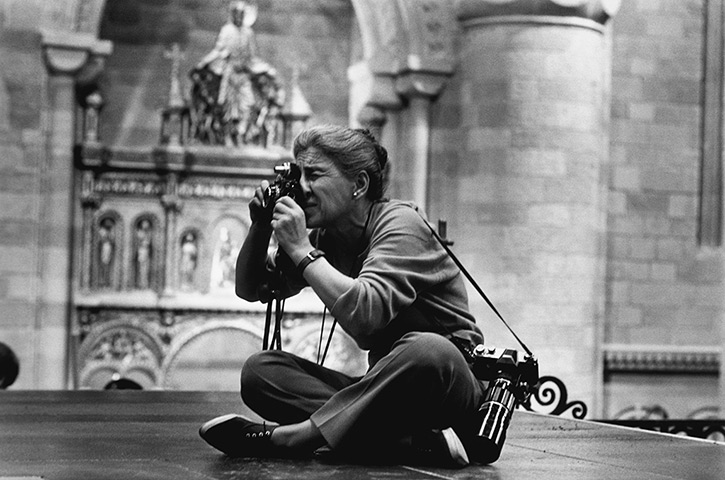 Eve Arnold dies: 1963 Eve Arnold on the set of Becket