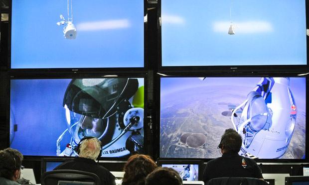 Felix Baumgartner and mission control