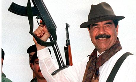 [Jeu] Le bal des masques du posteur du haut - Page 2 Saddam-Hussein-Alps-killi-009