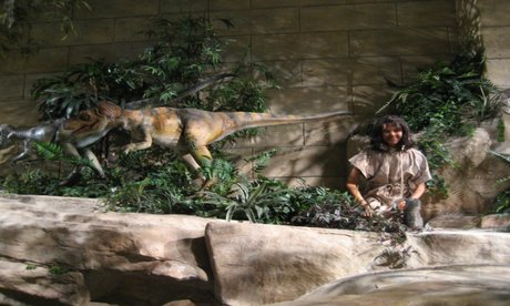 Dinosaurs and Humans, side by side