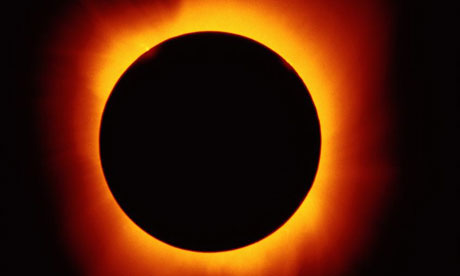 Total SOLAR ECLIPSE in Australia leads to influx of amateur.