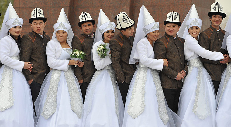 24 hours in pictures: Kyrgyz couples take part in a mass wedding