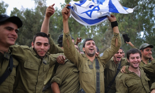 Druze (Israeli Arab) IDF soldiers dance for their feast ...
