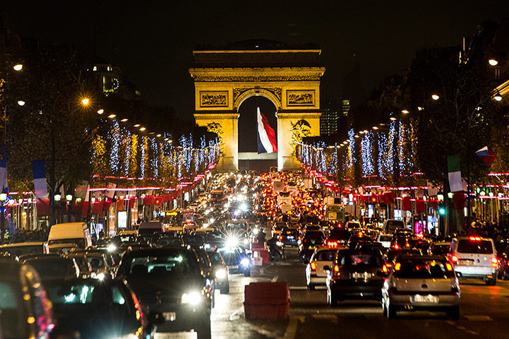 24 hours in pictures: Christmas lights in Paris