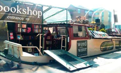 Donde habitan los libros Word-On-The-Water-008