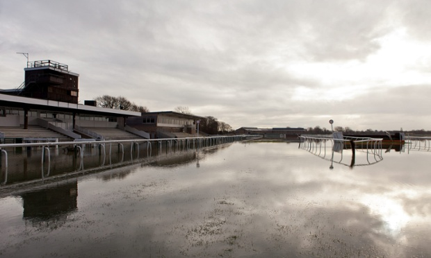There will be no racing today as heavy rain has left the fens flooded after the River Ouse burst its banks around Huntingdon Racecourse, Cambridgeshire.