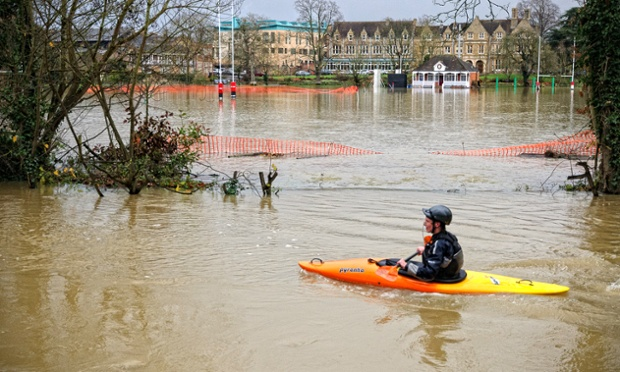 sdhaddow also captured this image of someone making the best of the flooding while kayaking on the Magdalen College playing fields after being flooded by the river Cherwell.