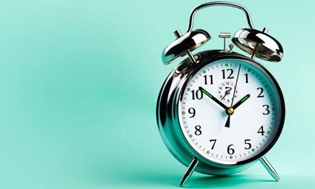 Horario de reuniones - reloj despertador antiguo