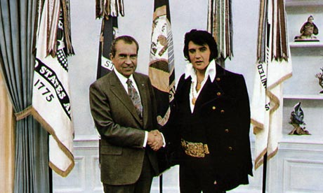 http://static.guim.co.uk/sys-images/Guardian/Pix/pictures/2012/11/30/1354287936692/Elvis-with-Nixon-006.jpg